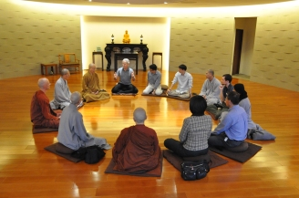 Discussion between faculty and prof. Jon Kabat-Zinn