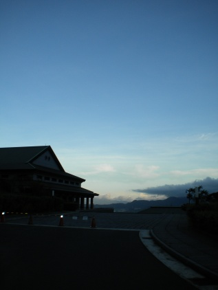 Main Buddha Hall (大雄寶殿) at dusk