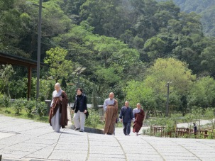 Students and instructors heading to the dining hall (齋堂) during a retreat at the Tiannan Temple (天南寺)